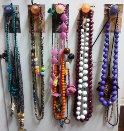 Como organizar colares/ organizar colar/ Picnic de Ideias/ Marianne Zasso/ Mare Zasso